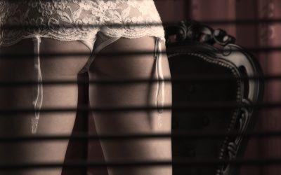 Esibizionismo e voyeurismo: ti piace più guardare o essere guardato?