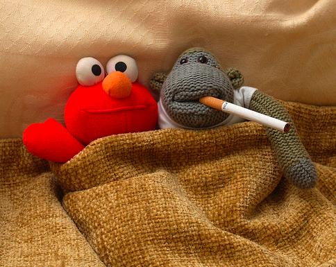fumare insieme non sarà il massimo del benessere ma dopo il sesso è un rituale