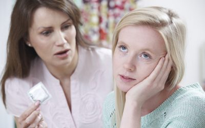 Cosa fare se trovi la riserva di preservativi di tuo figlio