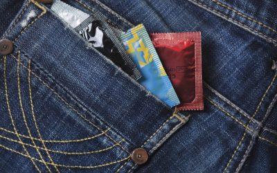 3 nascondigli insospettabili per i tuoi preservativi