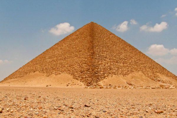 masturbarsi è come scalare una piramide: quella del piacere