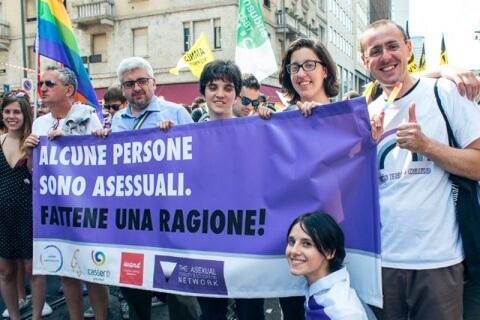 molta gente si dichiara asessuale